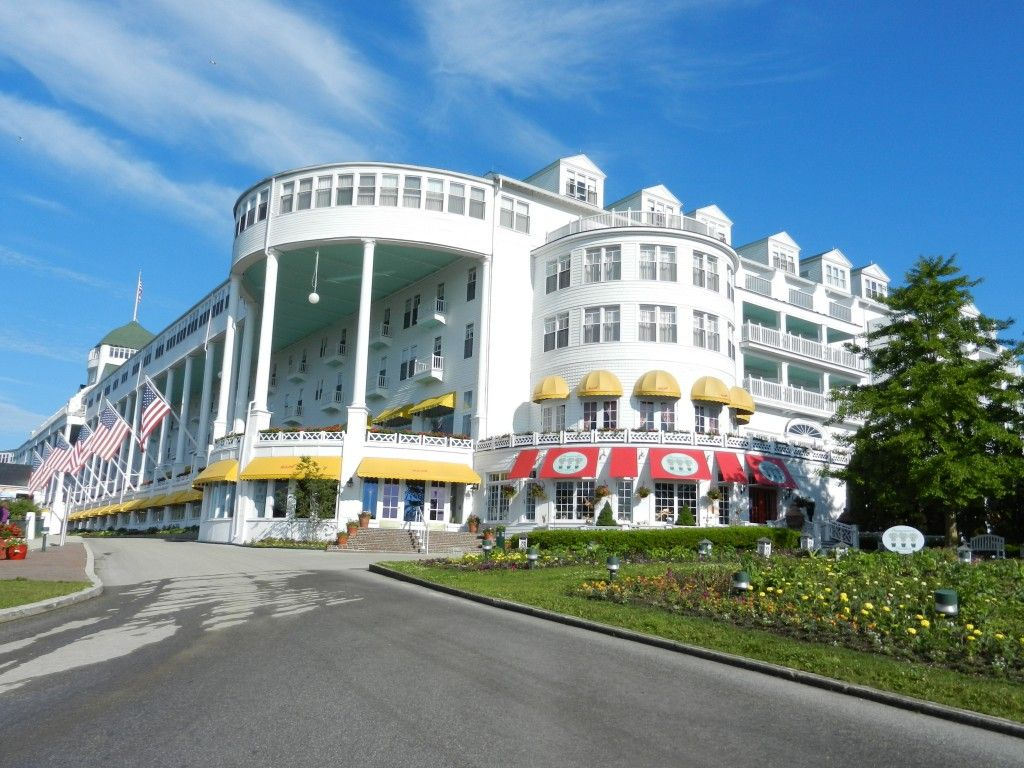 Oh yes she is grand! It's like going back in time to the fancy resorts of old. So beautiful!