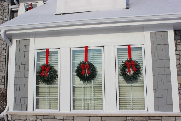 It took me a while to figure out the wreaths were hung from the inside!  Brilliant!!