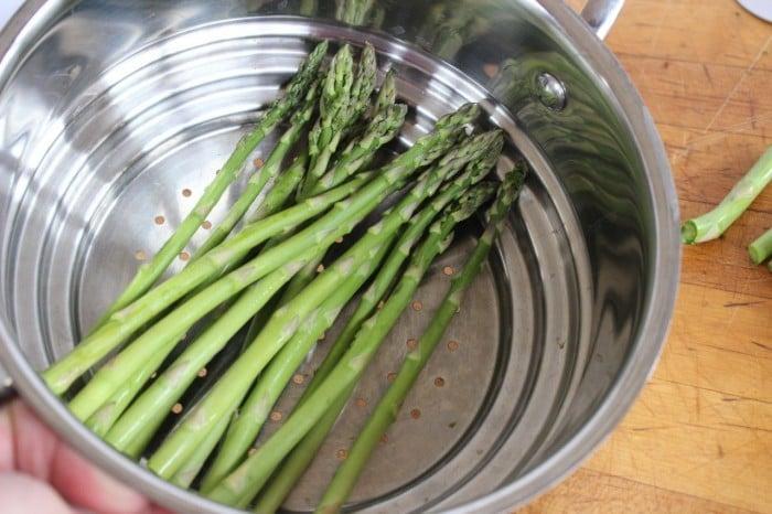 steaming asparagus