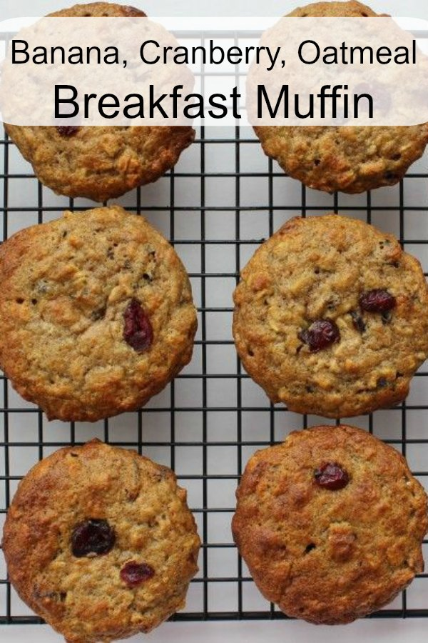 Delicious breakfast muffin. Made with oatmeal, cranberries and bananas. Healthy but still easy to make!