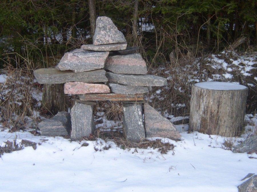 Stone men / Innuksuks.