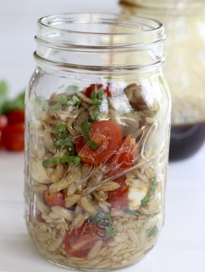 Mason Jar Caprese Orzo salad