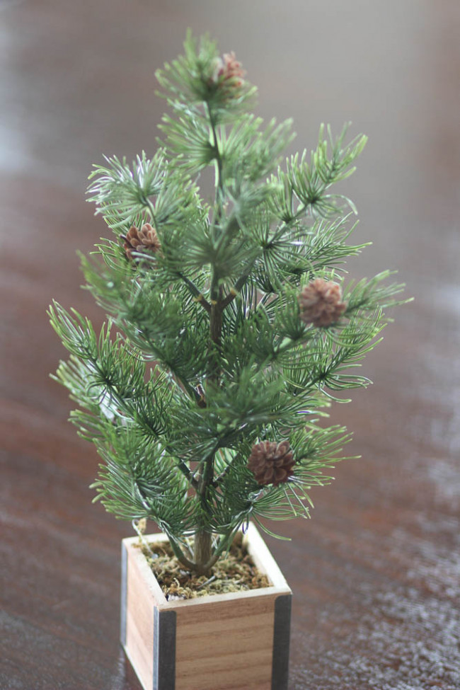 pretty nice ef7c7 bf3c5 Inexpensive Christmas Decorations - I guess I have a tree ...